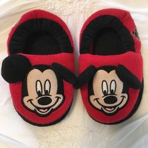 Disney Mickey Mouse Slippers (Toddler 7-8)